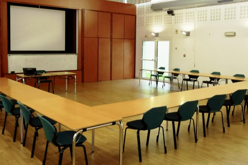 salle-cours-vide-ISFFEL-formation-alternance-Bretagne